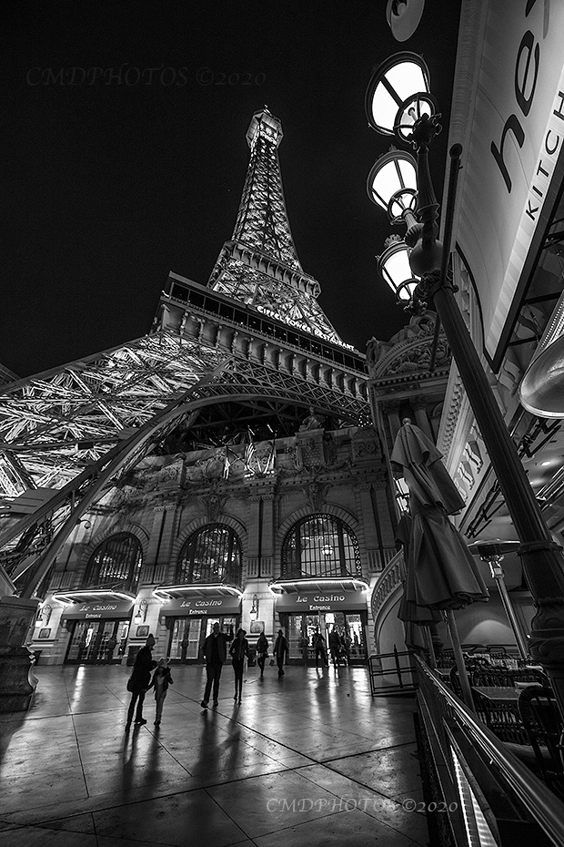 Las Vegas Eiffel BxW